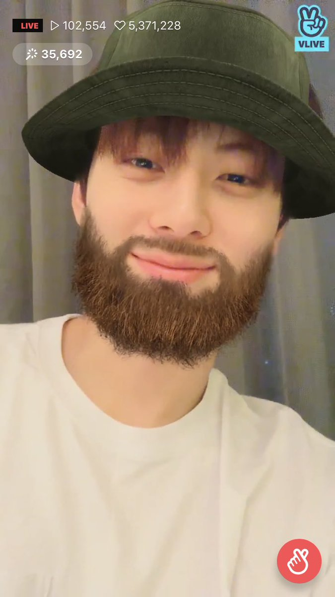 Minhyun said this is his favorite filter  Minhyun And beards hahahahaha <br>http://pic.twitter.com/7ea7yDfBKF