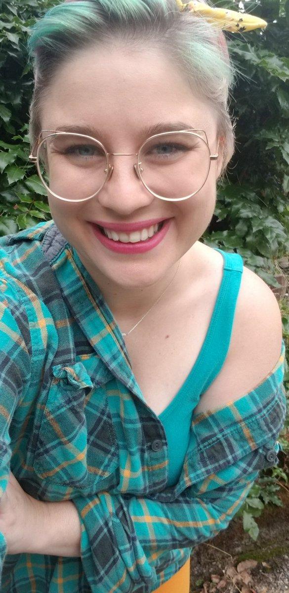 Pals make me smile <br>http://pic.twitter.com/bnzed0pRUs
