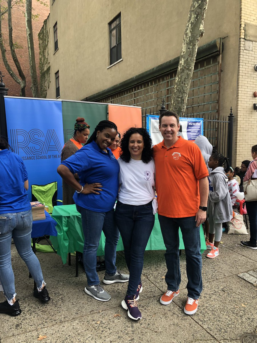 The Annual District 4 Back to School Festival is a true celebration of East Harlem while providing resources and support to our families! Meet some of our community members. @aestrel3 #ChampionsforChildren #SparkingImagination4Innovation https://t.co/xnreHVlZSD