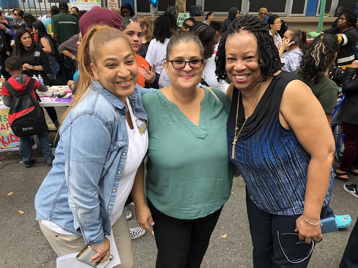 The Annual District 4 Back to School Festival is a true celebration of East Harlem while providing resources and support to our families! Meet some of our community members. @aestrel3 @cec4eastharlem @UFT #ChampionsforChildren #SparkingImagination4Innovation https://t.co/Cp8eZ5XVnO