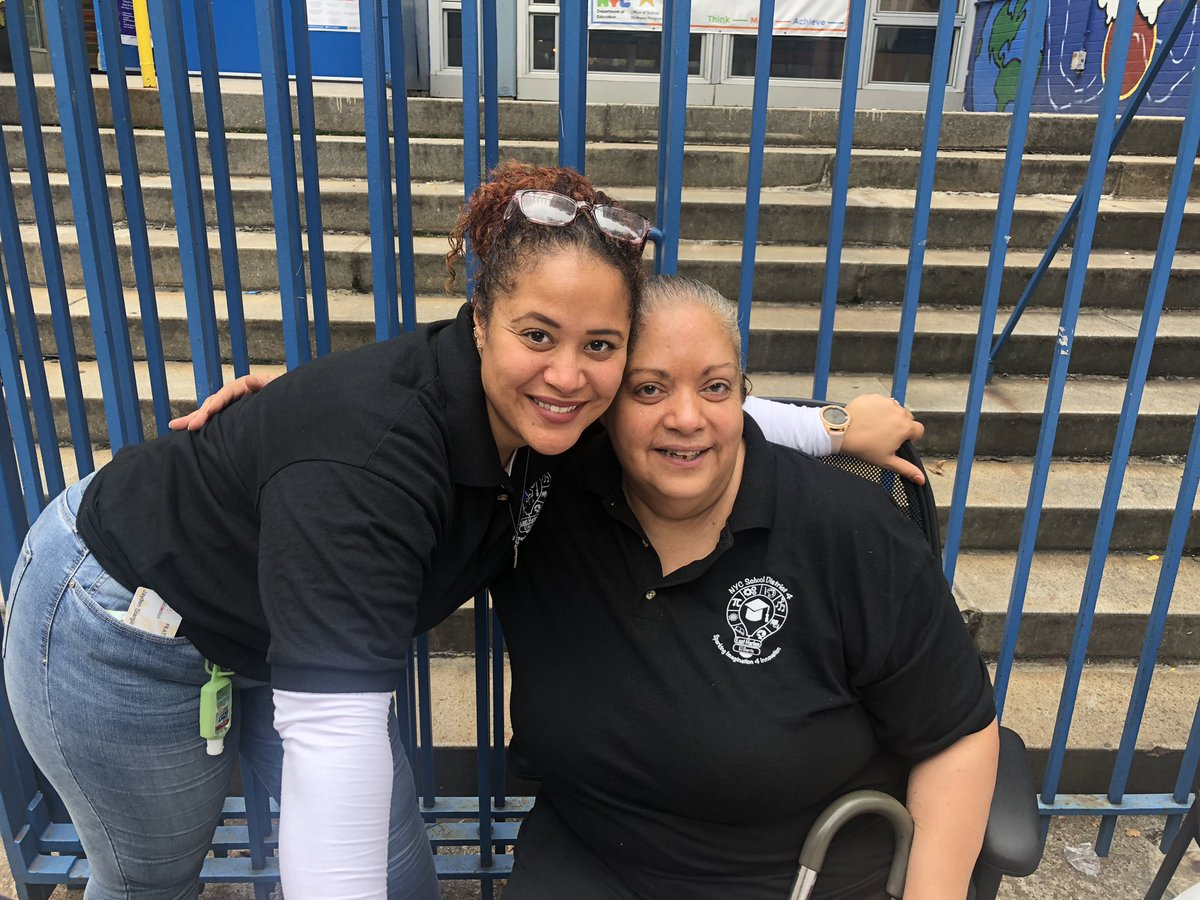 The Annual District 4 Back to School Festival is a true celebration of East Harlem while providing resources and support to our families! Meet some of our community members. @aestrel3 @cec4eastharlem @UFT #ChampionsforChildren #SparkingImagination4Innovation https://t.co/ia8RmSUShN