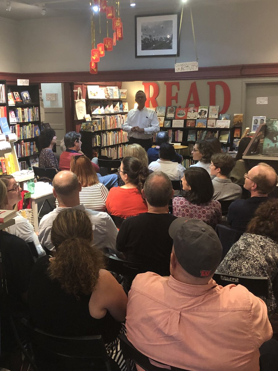 test Twitter Media - Wonderful crowd ⁦@ChevaliersBooks⁩ last night to hear about #highered & #SafeEnoughSpaces ⁦@wesleyan_u⁩ ⁦ ⁦@yalepress⁩ https://t.co/TbbJccfuGt