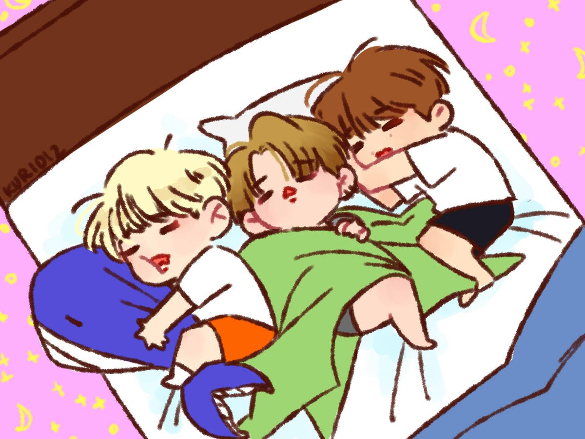 three little lords of the dorm, taking over Minhyuk's whale, Hyunwoo's pillow and Hyungwon's white bed <br>http://pic.twitter.com/g0tOPUSuyw