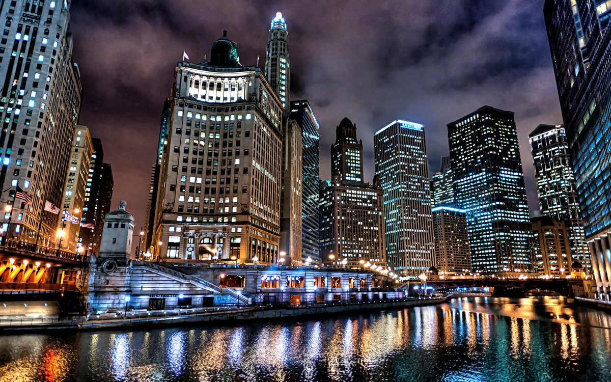 """Night time """"City Lights of Chicago Illinois"""" <br>http://pic.twitter.com/s0EZykRpex"""