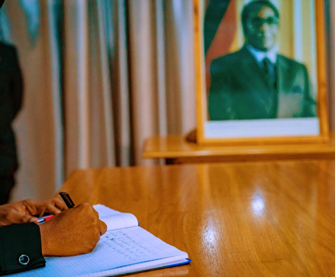 Nigeria respectfully condoles with the Republic of Zimbabwe on the passing of her President, Robert Mugabe, who led the republic and her people to freedom and majority rule – alongside so many other patriots. <br>http://pic.twitter.com/GBj5LWEXSE
