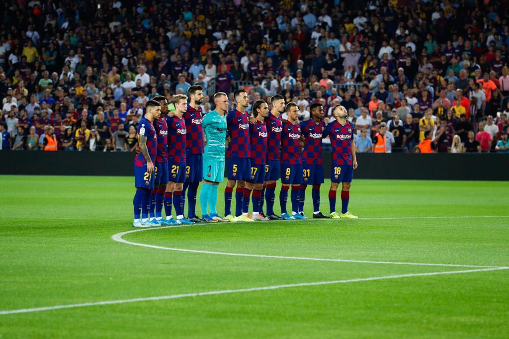 Los jugadores del Barcelona guardaron un minuto de silencio por Xana (Foto: FCB).
