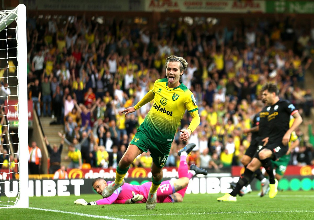 Norwich City's starting XI - £6.25m  Man City's starting XI - £405m  Norwich 3-2 Man City - Priceless <br>http://pic.twitter.com/Q3qrKP0WQo