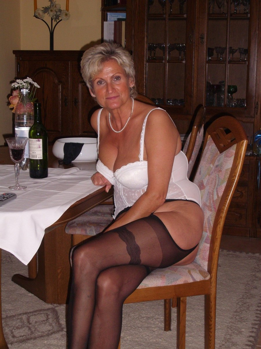 #over40  looking for #casual sex. Local #moms want it.   https:// seniorsizzle.com/go/p56862     <br>http://pic.twitter.com/WqAPQHyxJj