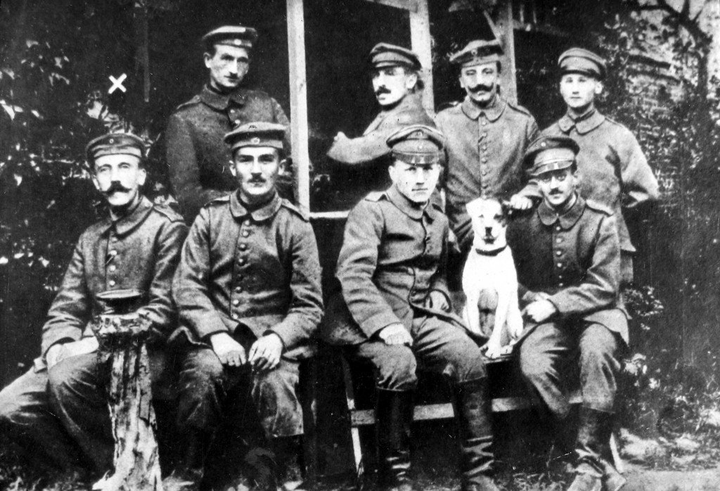 Me and the boys back in WW1 kicking British and French ass <br>http://pic.twitter.com/XouihVl2BR
