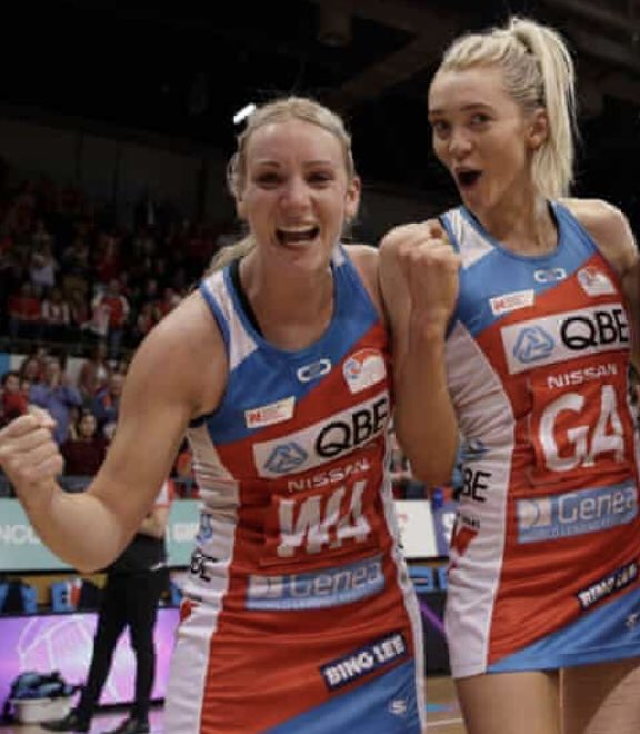 These two athletes @natsymone @helenhousby1 ♥️🌹. So proud of them at this moment, such different journeys but both amazing athletes and people. Well done you absolute superstars 🤗 and a massive congratulations to the @nswswifts 😁#winnersRgrinners