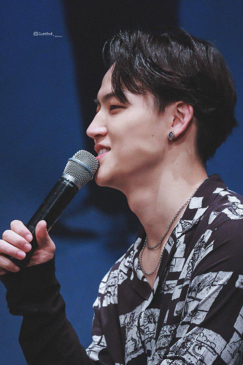Can't take my eyes off his cheek when he grip with his teeth #JB #제이비 #재범 #갓세븐  #GOT7  <br>http://pic.twitter.com/jVfm9ADvE4