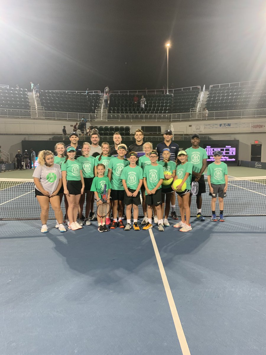 2019 Greenbrier Champions Tennis Classic Mixed Doubles Match: @Bryanbros vs. @JackSock and @Taylor_Fritz97 🎾 https://t.co/5kC3BSmONI
