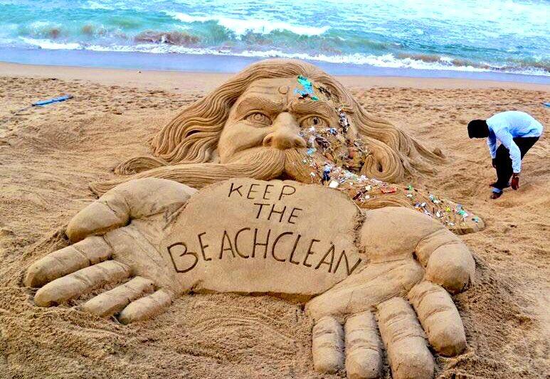 #SundayThought ...#StopSingleUsePlastic .....Keep the beach clean <br>http://pic.twitter.com/6FE6oxxKNR