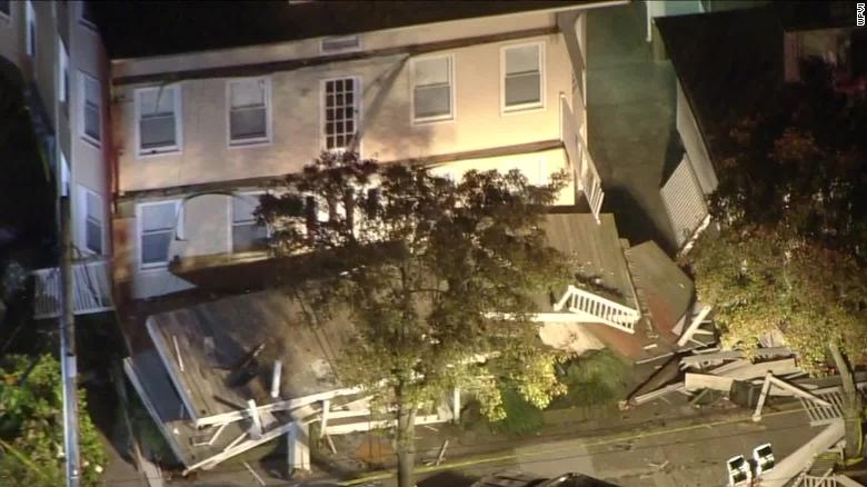 At least 22 people were injured after a deck collapsed at a New Jersey beach house  https:// cnn.it/2mi5uLq    <br>http://pic.twitter.com/408wEfCFgR