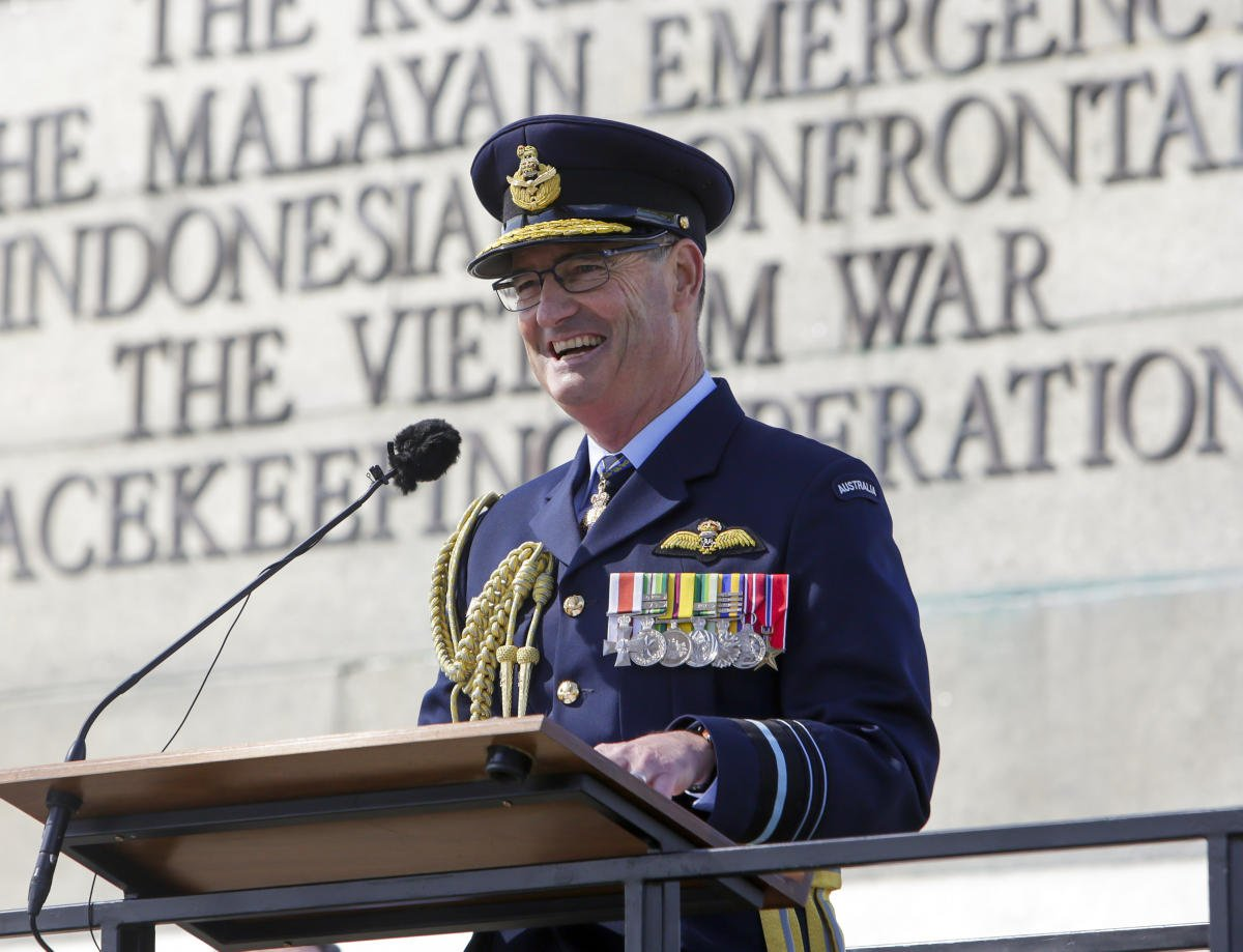 The skies came of age as a theatre of war with the #BattleofBritain. Today in Hobart I was proud to commemorate the Australian airmen who flew in one of the greatest air battles ever fought, and to reflect on the sacrifice of all who paid the ultimate price. #LestWeForget <br>http://pic.twitter.com/WmQ1gD4A2W