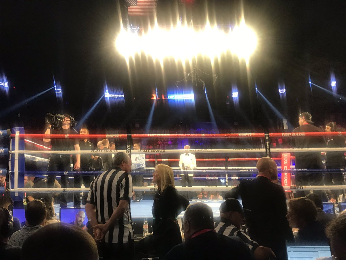 Oasis blasts in Las Vegas at the T-Mobile. What's The Story Morning Glory. Main event about to roll and you can follow and listen live here: https://www.bbc.com/sport/live/boxing/49683423… #bbcboxing #boxing #FuryWallin
