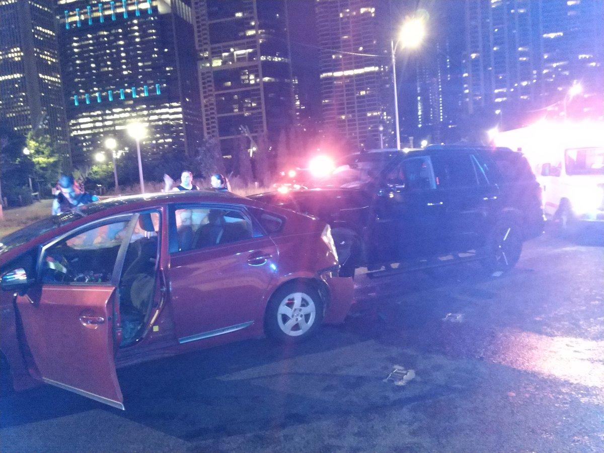 5 hospitalized after crash on Lake Shore Drive near Monroe exit
