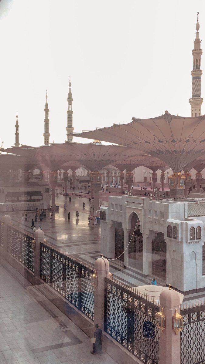breakfast views in medina  <br>http://pic.twitter.com/SYZwMCk3lV