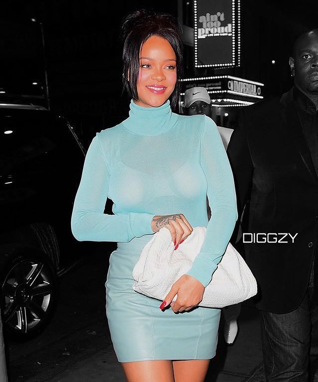 2012 Rihanna would've gone bra less<br>http://pic.twitter.com/eJBH74Ztzy