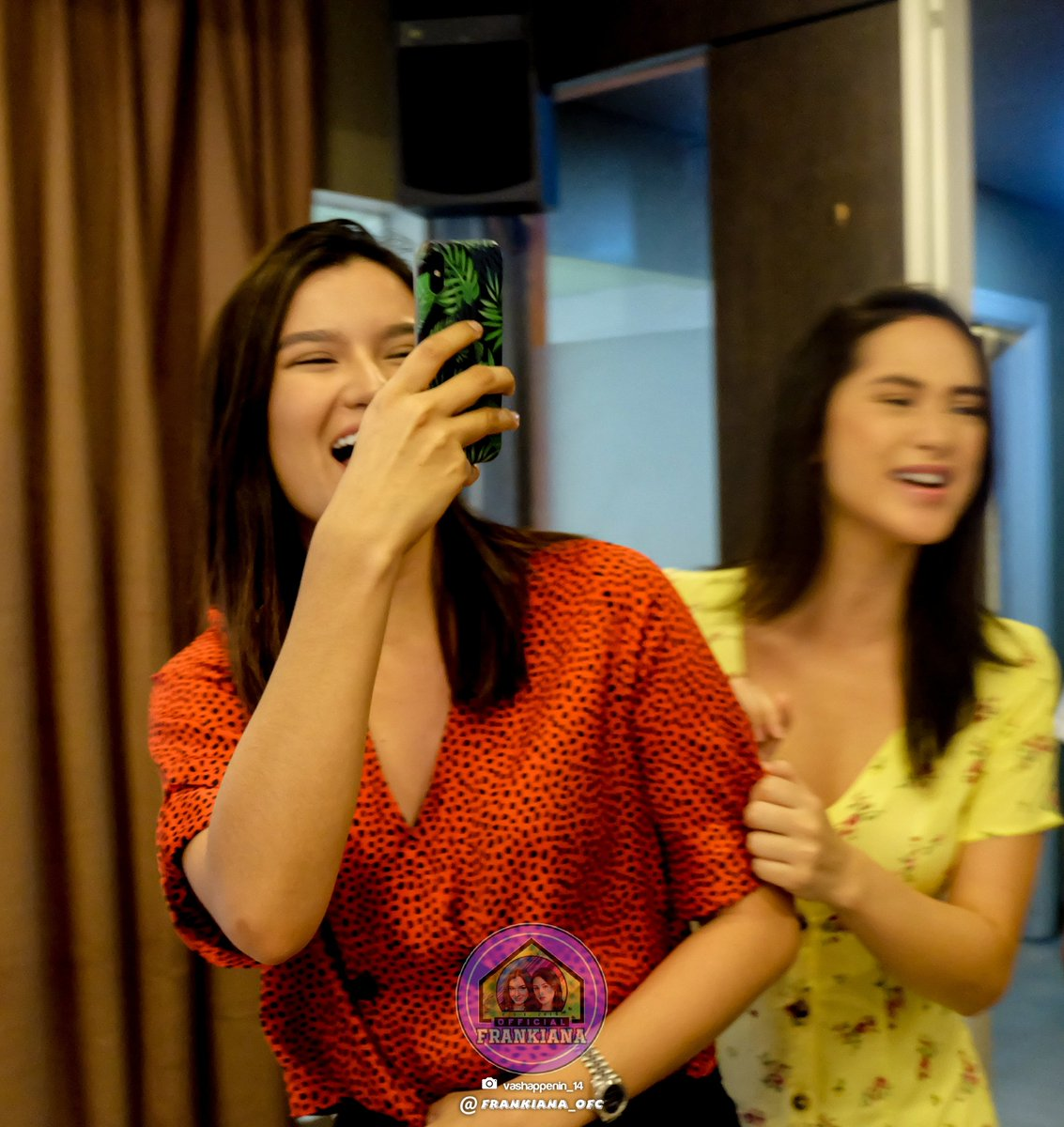 The happiness I feel when you're around...  Ay wait.. wrong ship.. hahaha  FRANKIANA MemeDay<br>http://pic.twitter.com/c3pzE4dmpt