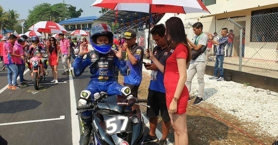 Putaran 3 Oneprix Indonesia Motorpix Championship, race 1 kelas Rookie akan dimulai. Saksikan saat ini hanya di tvOne & streaming tvOne connect.#Oneprix #OneprixSentul