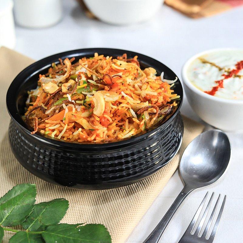Burger and Pizza may come and go. But love for Biryani will remain the same forever....#vegbiryani #indianfood #foodtalkindia #eatttt #dilsefoodie #incredibleindia #biryani #mouthwatering #tastyfood #foodgod #homemade