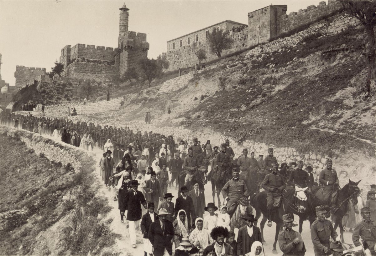 Austro-Hungarian troops marching out of the Jerusalem, WW1, 1916 [2320 x 1584] <br>http://pic.twitter.com/CvmMjVWer5