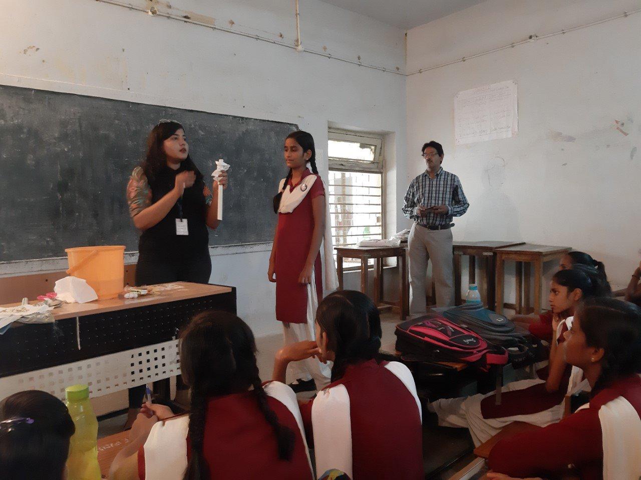 Amity University Gwalior On Twitter Amityforsociety Under The Vidyadaan Initiative Ms Twinkle Rastogi Faculty Of Amity School Of Fashion Design Technology Conducted A Workshop In Govt Padmaraja Shaskiya Mahavidhyalaya Explaining About