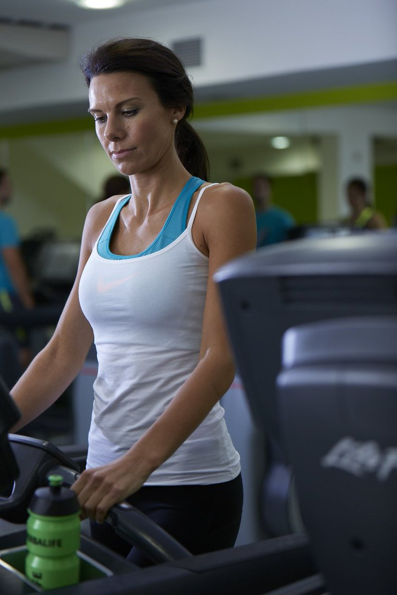 Busy week ahead? Add a few minutes to your regime today in case you have to cut your workout short tomorrow. #MakeItHappen  <br>http://pic.twitter.com/60kCzaQ2L0