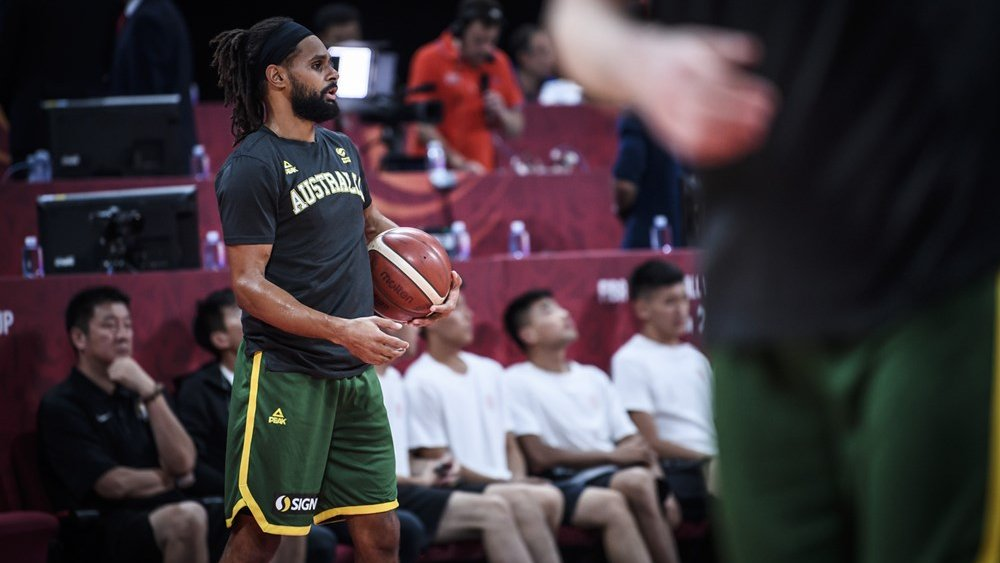 BOOMERS | End of the first.  🇦🇺Australia 16 - France 11🇫🇷  Patty Mills is getting buckets. Standard.  Leaders ⬇️  Points: Mills 8 Rebounds: Bogut, Ingles 2 Assists: Dellavedova, Ingles 2  #GoBoomers #AustraliaGotGame #FIBAWC