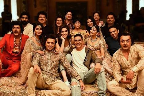 Quote with your favorite heroine name of #Housefull4  WE WANT HOUSEFULL4 POSTER<br>http://pic.twitter.com/keUzWwVtmC