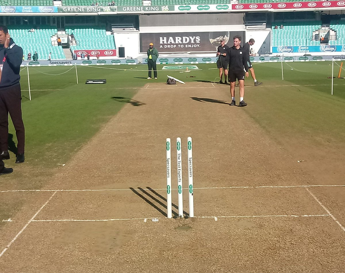 Will England square up the #Ashes at The Oval? 🤔 Here is how the pitch looks ahead of day four 🏏 #ENGvAUS #Ashes #Ashes2019