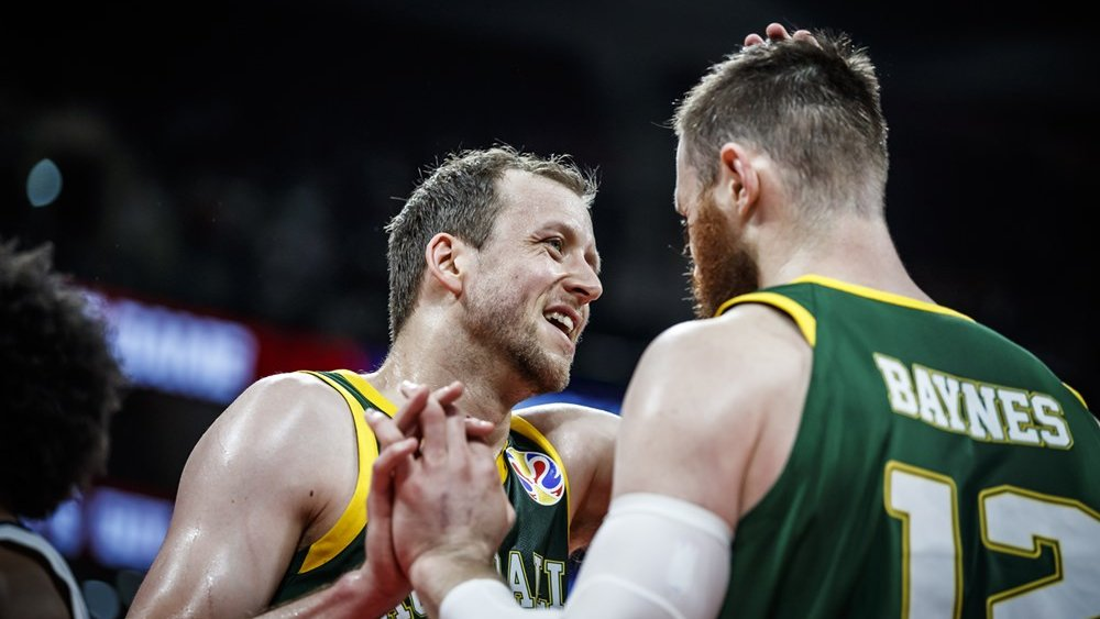 BOOMERS | End of the third.  🇦🇺Australia 46  - France 42🇫🇷  All set up for a HUGE fourth quarter. 10 minutes to come home with a medal.  Leaders ⬇️  Points: Ingles 17 Rebounds: Bogut, Dellavedova, Ingles 4 Assists: Dellavedova, Ingles 3  #GoBoomers #AustraliaGotGame #FIBAWC