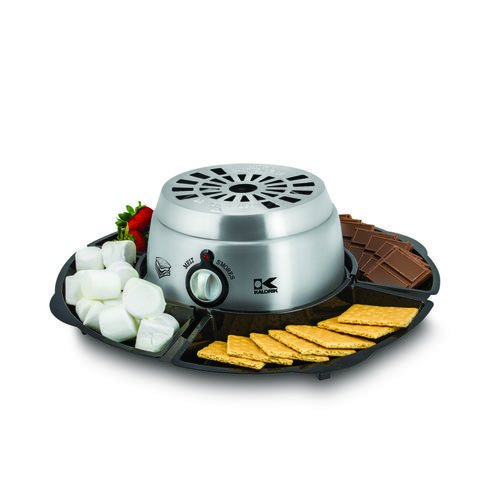 FLASH SALE TODAY! S'more fun for sleepovers and watching the big game on TV. This 2-in-1 S'mores Maker with Chocolate Fondue lets you toast your marshmallows indoors or melt chocolate for some really sweet fondue. https://t.co/V2JF5enIpN #Brookstone #Smores #FlashSale https://t.co/BaibDdmnaP