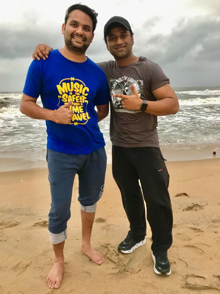 HAPPIEST MUSICAL LYRICAL BIRTHDAY to Dear @ShreeLyricist    Wishing U many more Blockbusters dear Brotherrrr !! & ThankYou 4 all d Lovely Lyrics You have been Penning   Keep Rockingggg !!  With Love .. DSP & Team  <br>http://pic.twitter.com/yB8ecqCaB6