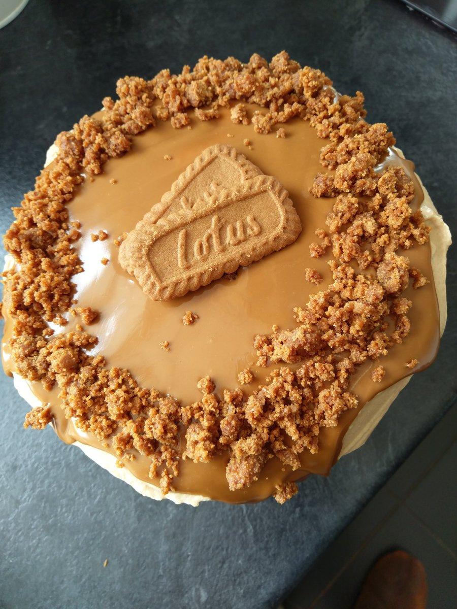 That's dessert made, hope it tastes as good as it looks #lotusbiscoff<br>http://pic.twitter.com/X1ta5oODjJ