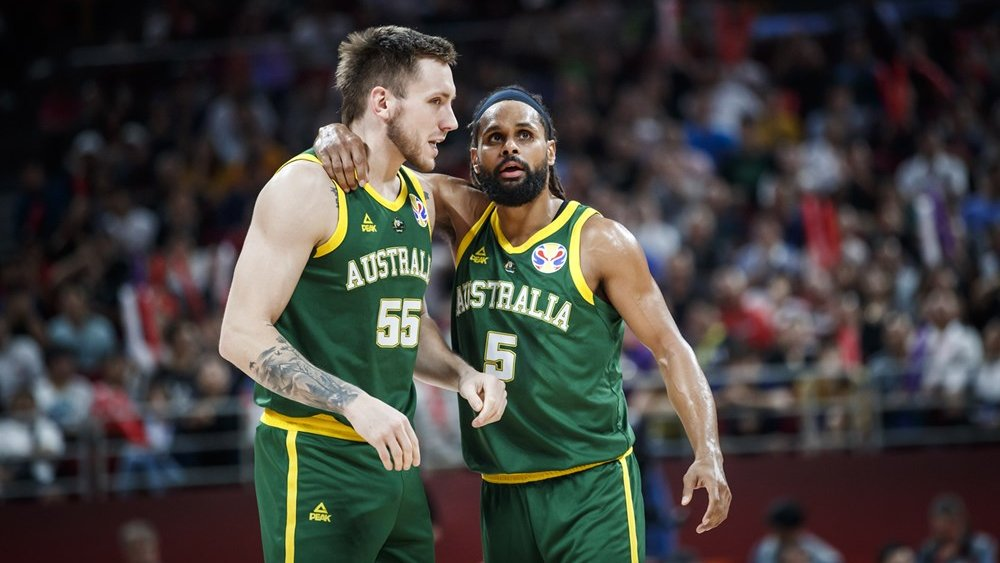 BOOMERS | Devastation for Australia, as France come from behind to deny Boomers an elusive medal.  The loss brings to an end the Boomers best ever finish at the @FIBAWC, as their attention will now turn to Tokyo 2020.  Game story➡️: http://bit.ly/2khoJUD  #GoBoomers