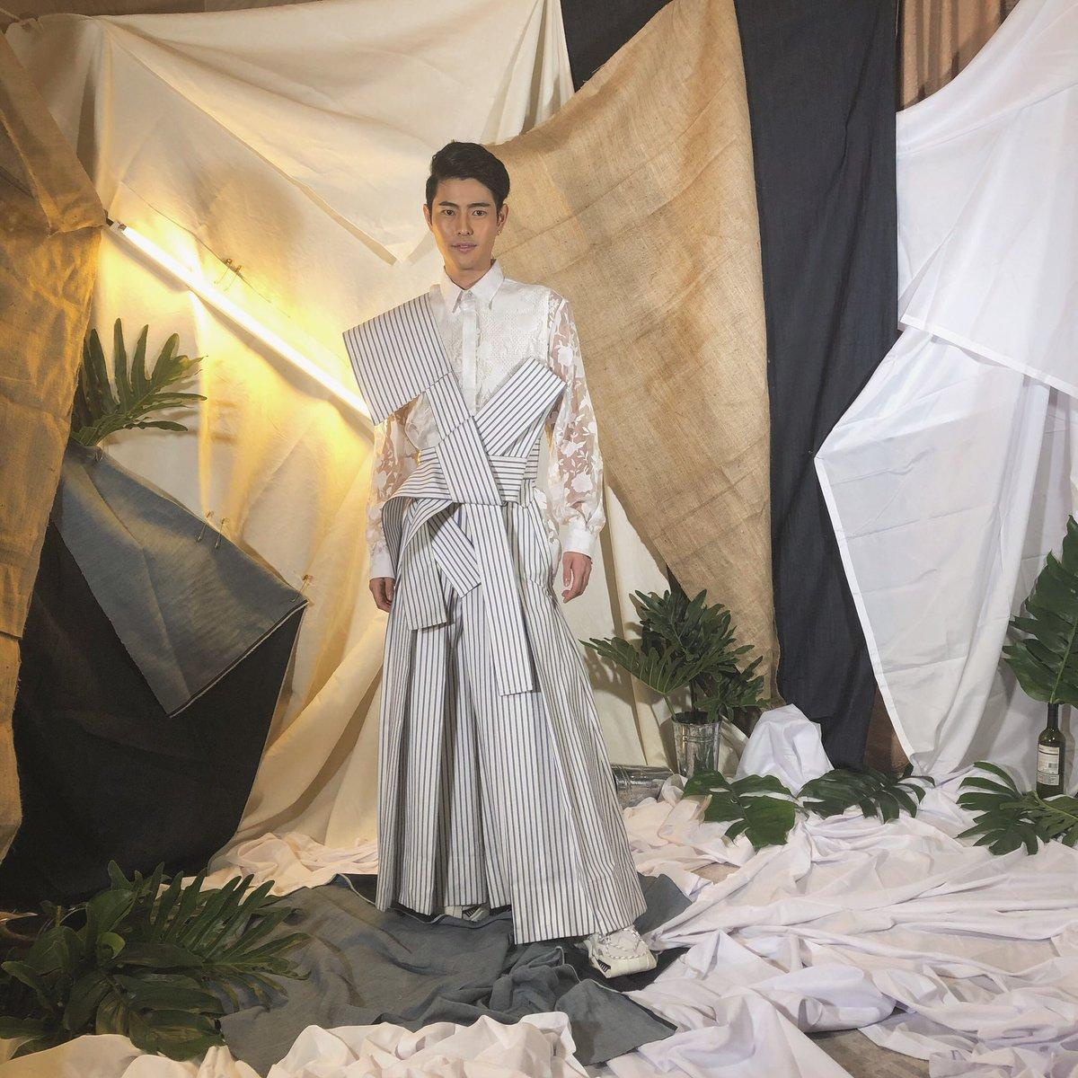 昨日はABSCBN BALLというフィリピンの有名な芸能人だけが参加できるというパーティーに招待されていってきました!伝統衣装である日本の袴とフィリピンのバロンを混ぜた衣装で行ってきました!楽しかった。。。。。
