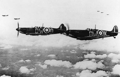 Today we remember the few. #LestWeForget  #BattleofBritainDay<br>http://pic.twitter.com/1bqugz0fDZ