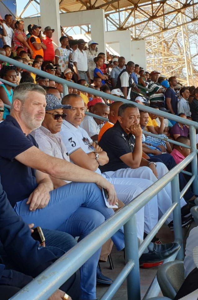 Un plaisir d'assister au match de ⚽️ #CAFCL entre #FosaJuniorsFC et @TPMazembe au Stade Alexandre Rabemananjara en compagnie de @moise_katumbi et #ArnoSteenkist ! Score final nul et vierge. @caf_online_FR
