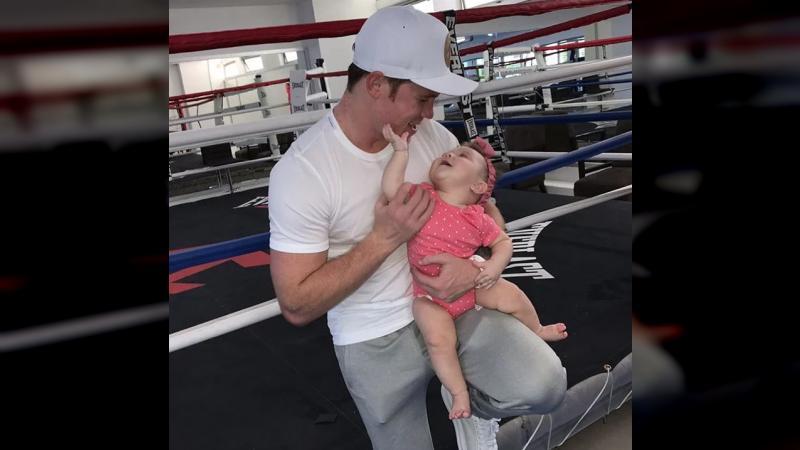 ¡Qué ternura! Mira cómo Canelo Álvarez le canta a su hija menor https://www.reporte1.com/266103 #Reporte1Uno #CaneloÁlvarez #11Sep