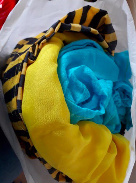 CLEAROUT TIME!  Can any Birmingham arts/theatre/play/events types make use of any of these?  Collect from Moseley in the next few days  1) Two carrier bags of fabric. Some colourful stuff, some rough grey stuff. <br>http://pic.twitter.com/zKbGn7AGSM