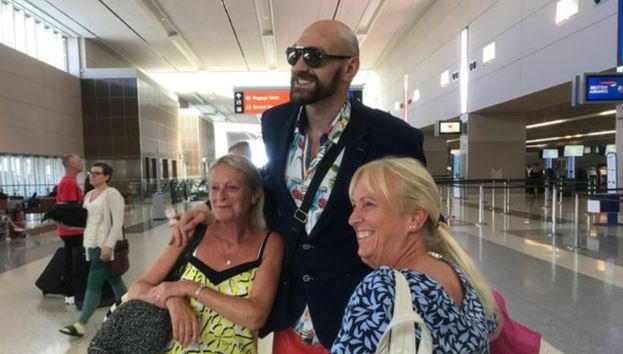 """""""... Got up, gone to the casino, won five grand, had a few beers and now I'm going to have a few more beers.""""What Tyson Fury did after getting stitched up in a Las Vegas hospital 👉https://bbc.in/2kKKs7C #FuryvsWallin"""