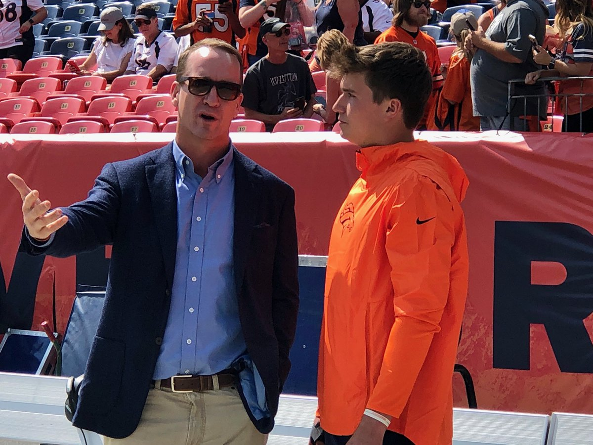 #Broncos legend Peyton Manning talking shop with @DrewLock23. This is always a good thing. #Denver https://t.co/UFtpicNRjf