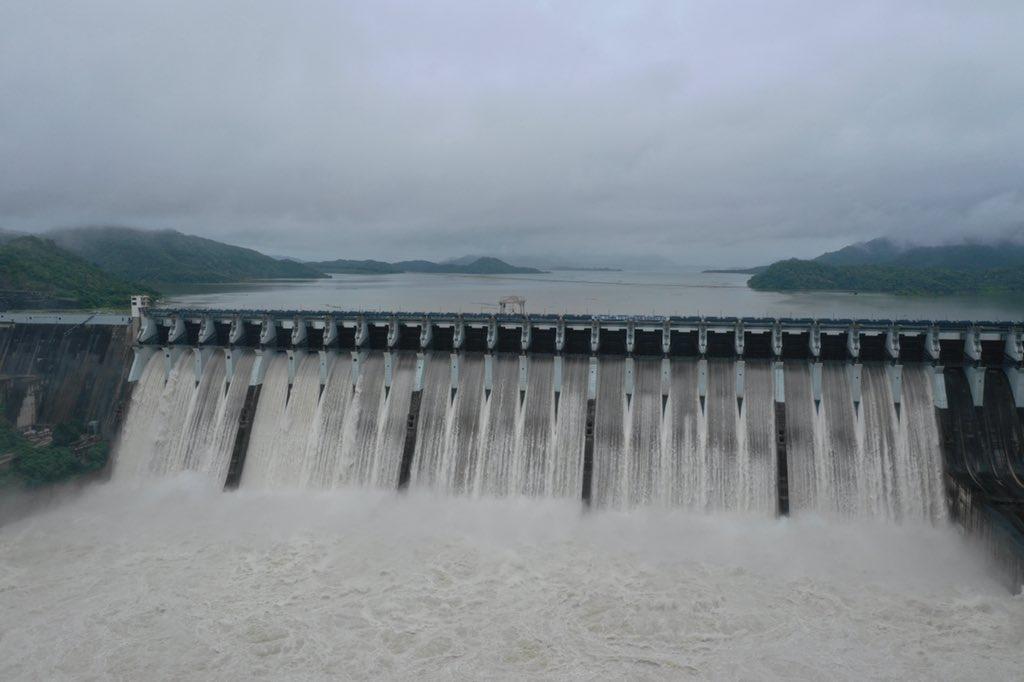 Sardar Sarovar dam over 95 percent full; rich inflow continuing