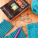 Image for the Tweet beginning: Reading and crocheting. 💙📖Two of