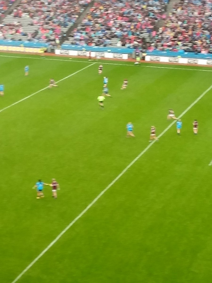 test Twitter Media - Real battle 48 minutes  @SportTG4 All-Ireland SFC Final @dublinladiesg  2-01(7) @GalwayLgfa  0-03 (3) Good response Galway 2 points since Dublin Goal  @LeinsterLGFA  @ConnachtLGFA   #AllIrelandFinal #properfan https://t.co/jlAXSe0HM5