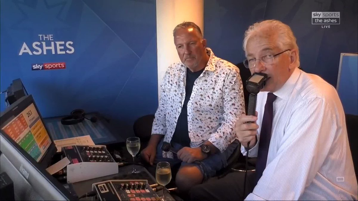 """It has been extraordinary. What a year it's been and, dare I say it, what a 20 years it's been.""The end of two magnificent innings as @BeefyBotham and @David215Gower sign off from the @SkyCricket commentary box."