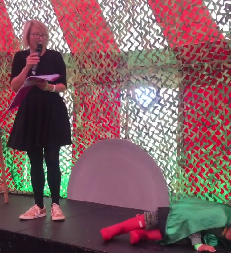 And I had a BRILLIANT time doing a one hour poetry performance for kids - with the help of an EXCELLENT sleeping dragon... @Olia_Hercules @TheGoodLifeExp