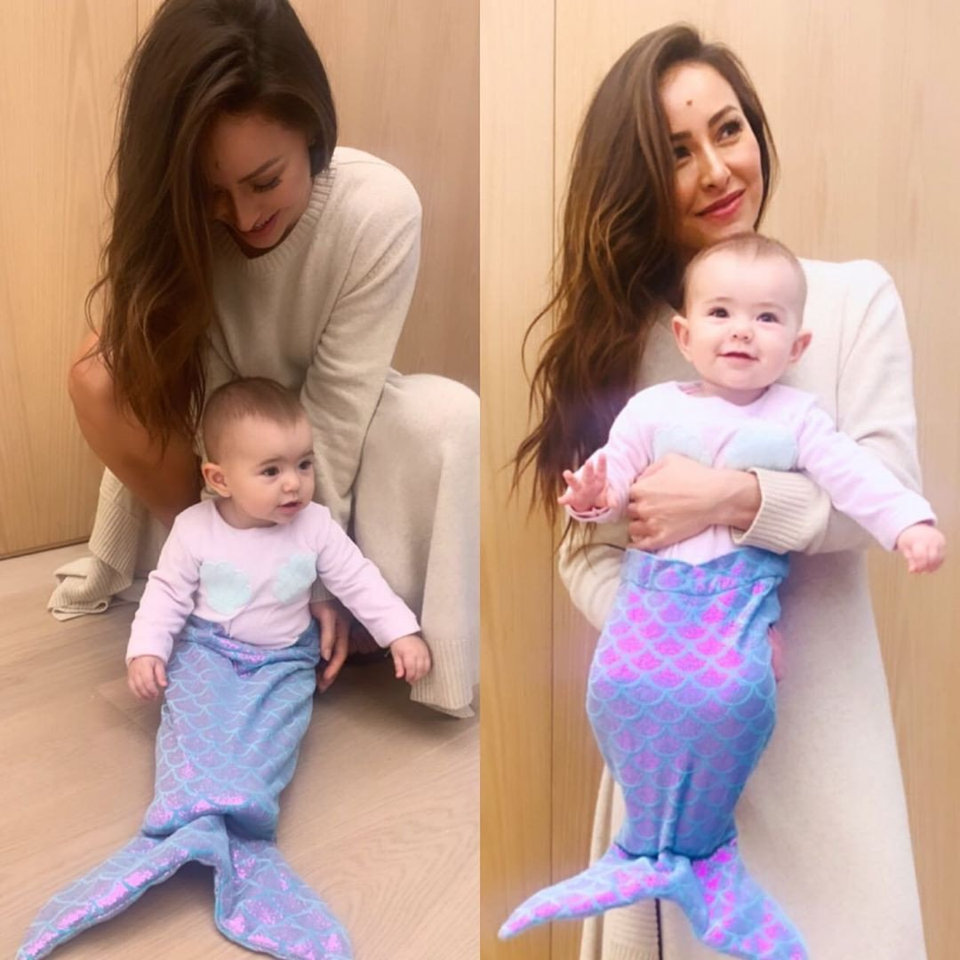 Sabrina Sato e a pequena sereia Zoe 😍 https://t.co/7JTXT4pYl5 https://t.co/tJuFTKJRcS